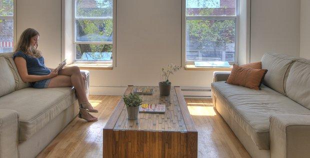 Eclairer son salon naturellement – Témoignage d'Emma à Montréal