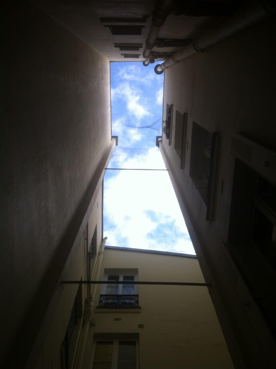 espaciel - pleine lumière dans un rez-de-chaussée sur cour intérieure