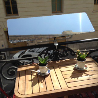 reflecteur-espaciel-posé-sur-le-balcon-pour-avoir-de-la-luminosite-dans-votre-interieur-terrasse