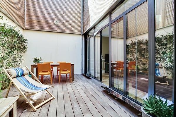espaciel faire descendre le soleil avec le r flecteur patio solaire. Black Bedroom Furniture Sets. Home Design Ideas