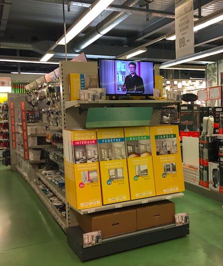 reflecteurs-de-lumiere-espaciel-en-magasin