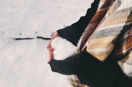 coeur-fait-avec-de-la-neige